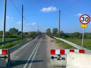 Popsuty most nad Bzura